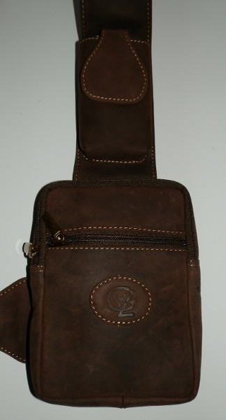 BB01-H – kleiner Bodybag in Büffelleder